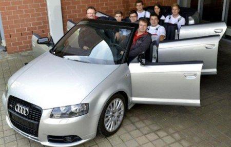 Audi построила восьмиместный шестидверный кабриолет
